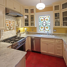 Traditional Kitchen by Tektive Design