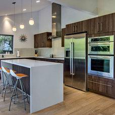 Midcentury Kitchen by Bay Area Designs - Jennifer Lee