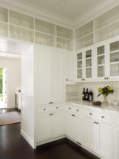 Неоклассика Кухня by Kathleen Bost Architecture + Design