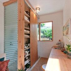 Modern Kitchen by Home Shoppe Hawaii LLC - OAHU REAL ESTATE