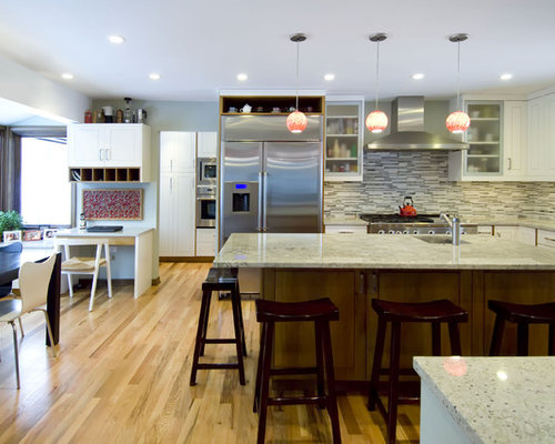 Trendy L Shaped Eat In Kitchen Photo In Chicago With Stainless Steel  Appliances, Part 56