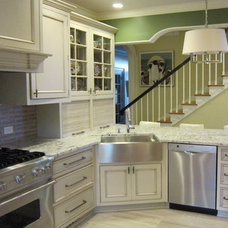 Traditional Kitchen by Pamela Foster & Associates, Inc.
