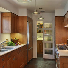 Contemporary Kitchen by Hedy Rogers, CKD >San Diego RE Central/Portfolios