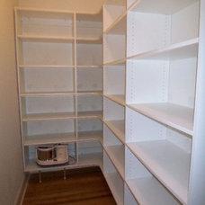 Kitchen by Atlanta Closet & Storage Solutions