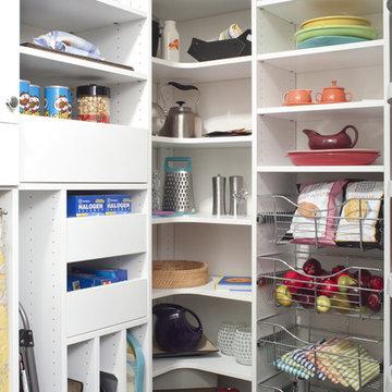 Pantry With Customized Storage