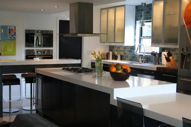 Modern Kitchen Paola DeValdenebro