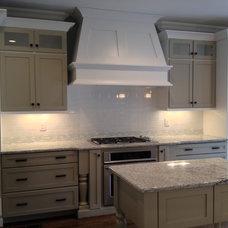 Transitional Kitchen by Distinctive Designs Inc. Kitchen & Baths