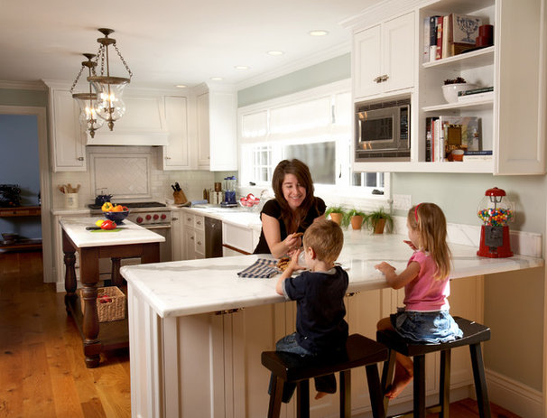 Traditional Kitchen by NORMAN CHARLES CONSTRUCTION
