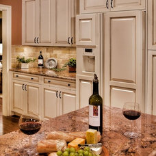 Traditional Kitchen by Paramount Granite Company