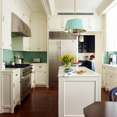 Traditional Kitchen by Studio 511