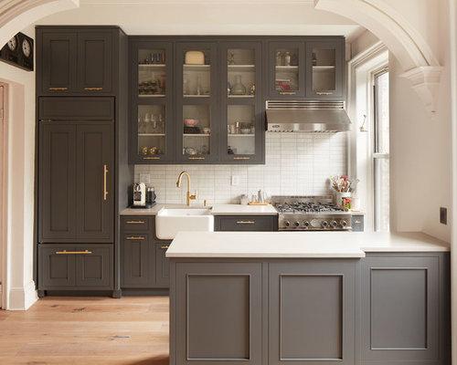 k chen mit r ckwand aus st bchenfliesen und schrankfronten im shaker stil ideen design bilder. Black Bedroom Furniture Sets. Home Design Ideas
