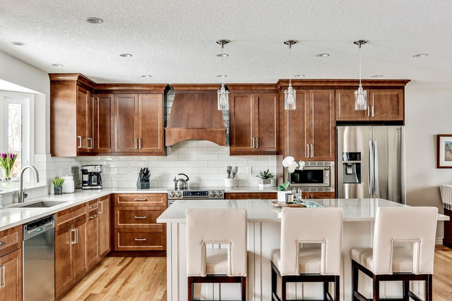 Traditional Kitchen by Corefront Custom Homes & Renovations