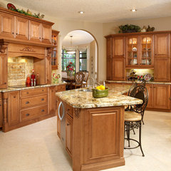 traditional kitchen by Stonewater Kitchens, Inc.