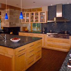 Modern Kitchen by Eifler & Associates Architects