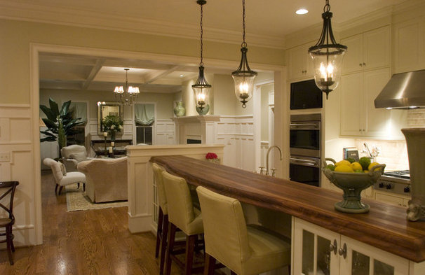 Traditional Kitchen by Allison Ramsey Architects