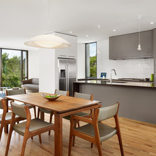 Modern Kitchen by RisherMartin Fine Homes