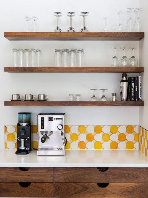 Küchen mit Küchenrückwand in Gelb und Vinylboden Ideen, Design ...