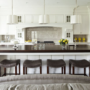 12 X 14 Signature Islander Kitchen Ideas Photos Houzz