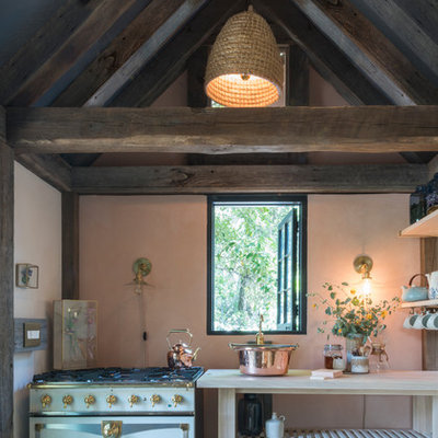 Example of a cottage chic kitchen design in Los Angeles