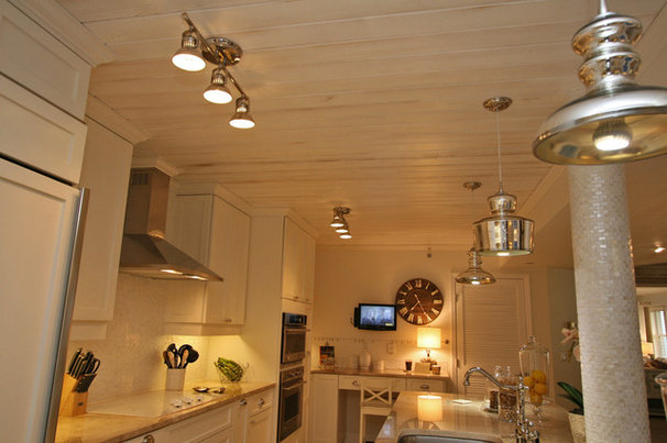 Traditional Kitchen by Pathfinder Group Designs Inc.