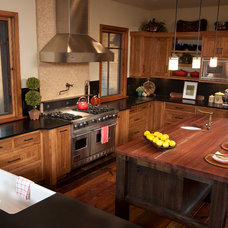 Traditional Kitchen by Copperline Homes