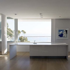 modern kitchen by Paul Davis & Partners