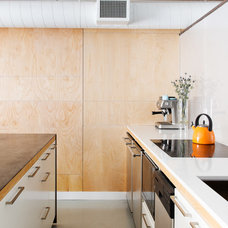 Contemporary Kitchen by Pause Architecture + Interiors