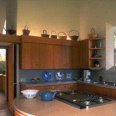 Modern Kitchen by Daniel Ruark, Architect