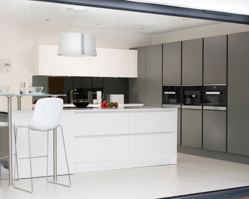 Pedini integra kitchen anthracite matt white