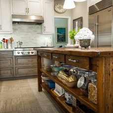 Farmhouse Kitchen by Chelsea Evans