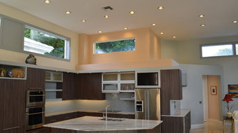 Pelican Bay Contemporary Kitchen