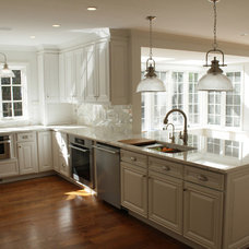 Traditional Kitchen by Kitchens by Frankie