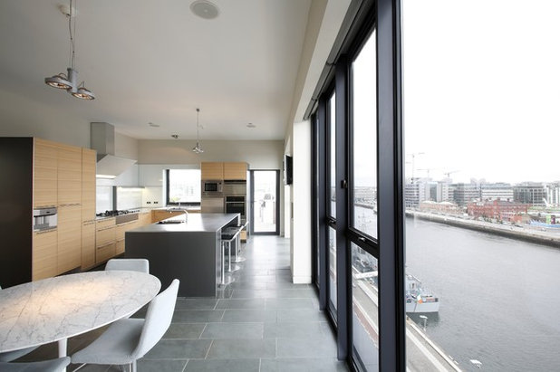 Contemporary Kitchen by Tom Creed Architect