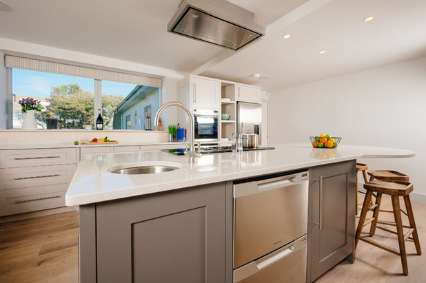 Beach Style Kitchen by Broad and Turner