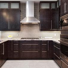 Transitional Kitchen by Laurysen Kitchens Ltd.