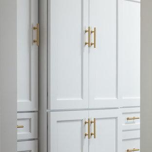 Mid-sized traditional kitchen designs - Kitchen - mid-sized traditional kitchen idea in Other