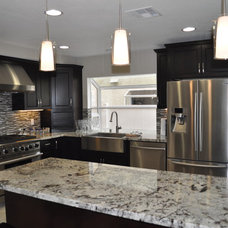 Contemporary Kitchen by Horizon Construction & Remodeling