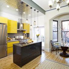 Contemporary Kitchen by Brunelleschi Construction
