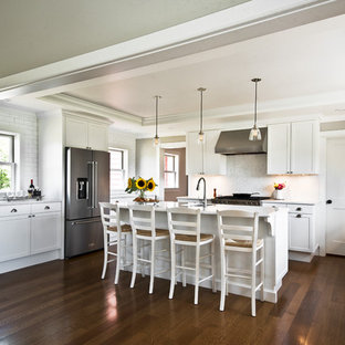 Large Transitional Eat In Kitchen Designs   Inspiration For A Large  Transitional U Shaped