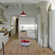 Modern Kitchen by de-spec