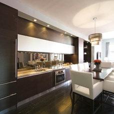 Modern Kitchen by Urban Homes - Innovative Design for Kitchen & Bath