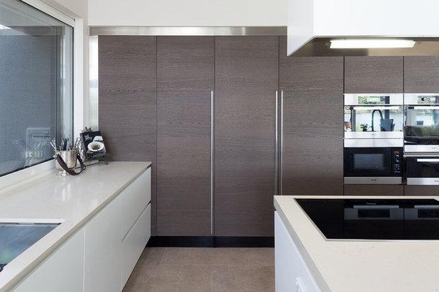 Contemporary Kitchen by Retreat Design