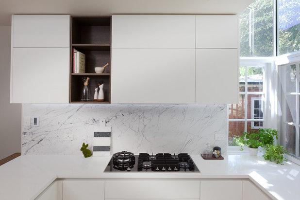 Modern Kitchen by Retreat Design