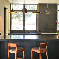 Modern Kitchen by Zeitgeist sonoma