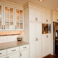 Traditional Kitchen by River Oak Cabinetry & Design