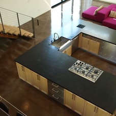 Modern Kitchen by PHX Architecture