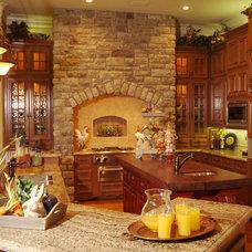 Mediterranean Kitchen by Peterson Homebuilders, Inc.