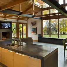 Contemporary Kitchen by ConcreteWorks East