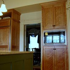Traditional Kitchen by Robin Amorello, CKD CAPS - Atmoscaper Design