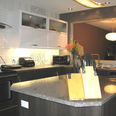 Contemporary Kitchen by Option-Concept